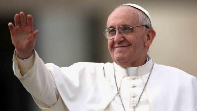 Papa, Kiliseden Aforoz Edilen Bir Trans Çifti Ağırladı
