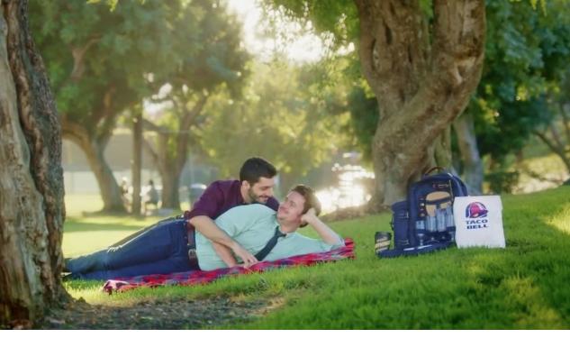 Taco Bell Bu Yılın En Gey Reklamı Mı?