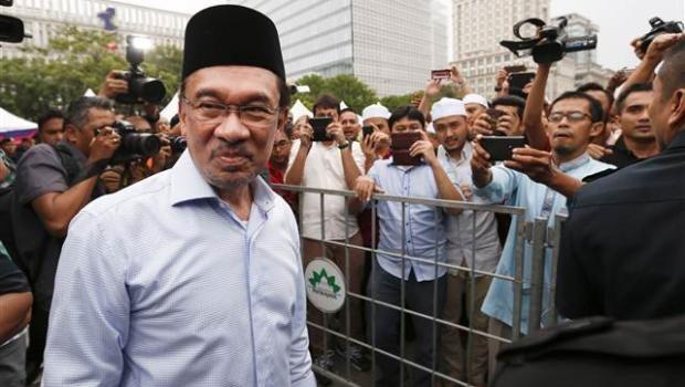 Malezya'da muhalefet lideri Enver İbrahim'e hapis cezası