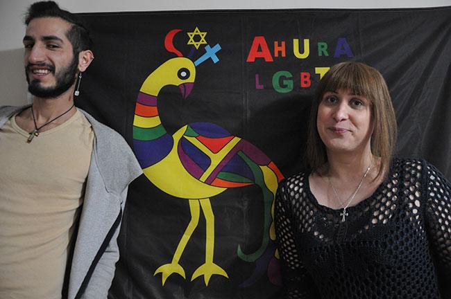 """Türkiye'nin İlk Azınlık LGBTİ Oluşumu """"Ahura"""""""