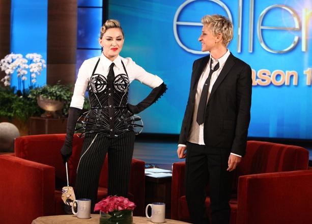 Madonna Ellen Show'u Fethetti
