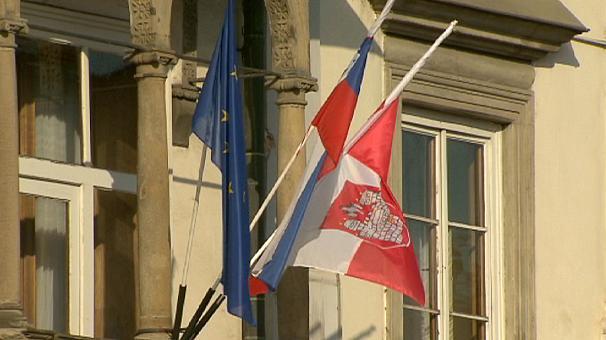 Slovenya Eşcinsel Evliliğe Onay Verdi