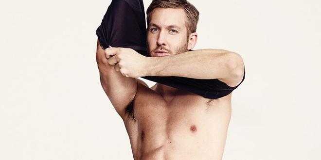 Calvin Harris Yine Çıplak, Hem De Dergi Kapağında