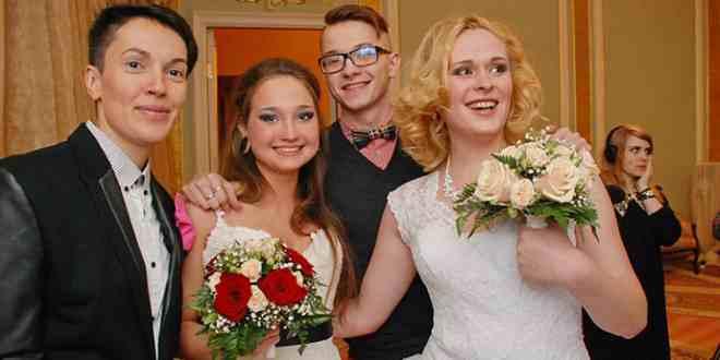 Rusya'da Eşcinsel Evlilik Yapan Evlendirme Dairesi Kapatıldı