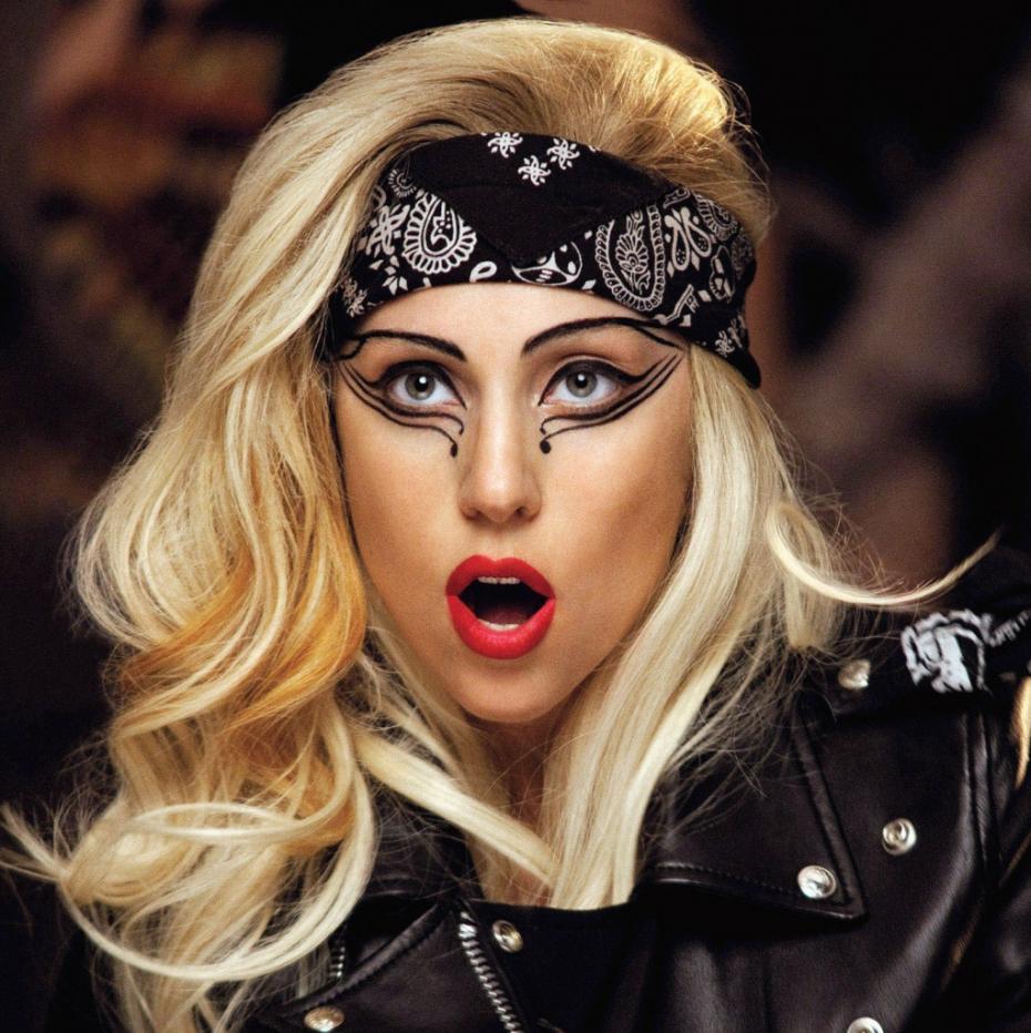 Hande gibi Gaga'da 27 imiş. Gaga'nın gerçek yaşı ise 30