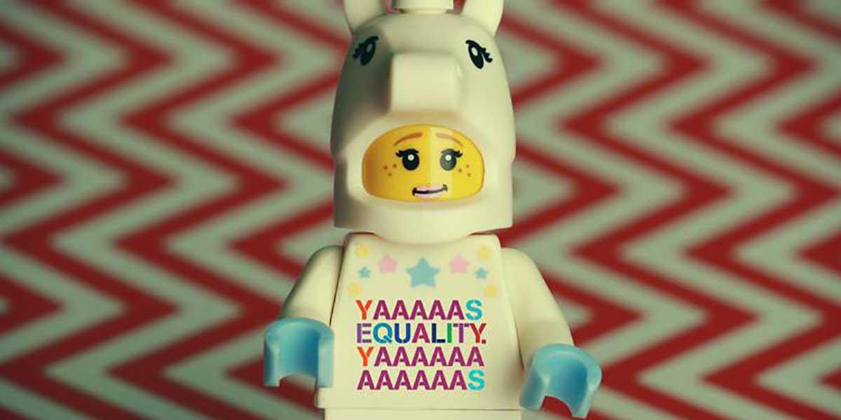 İrlanda'daki Eşcinsel Evliliği Destekleyen Yaratıcı Lego Afişler