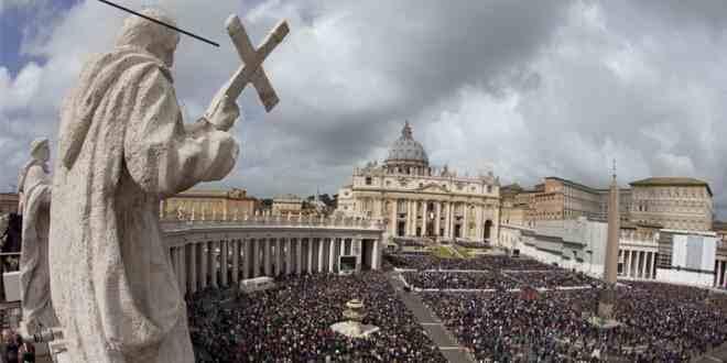 Vatikan Eşcinsel Evliliği Eleştirdi