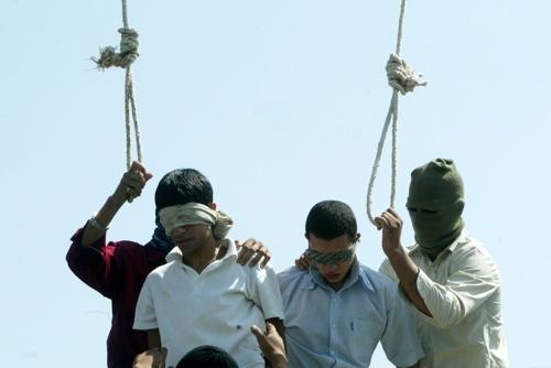 İran'da 14 Yaşındaki Çocuk Eşcinsel Olduğu Gerekçesiyle İdam Edildi