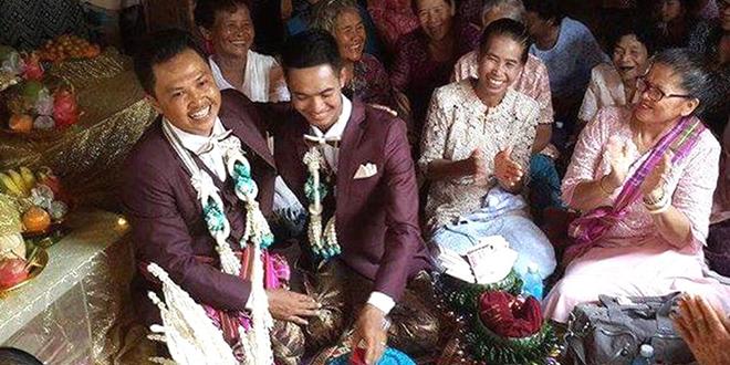 Başlık Parasını Verdi Erkek Arkadaşı İle Evlendi