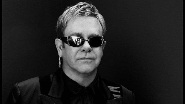 Elton John Homofobik Belediye Başkanını Ağır Eleştirdi