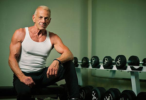 Dennis, 67 Yaşında