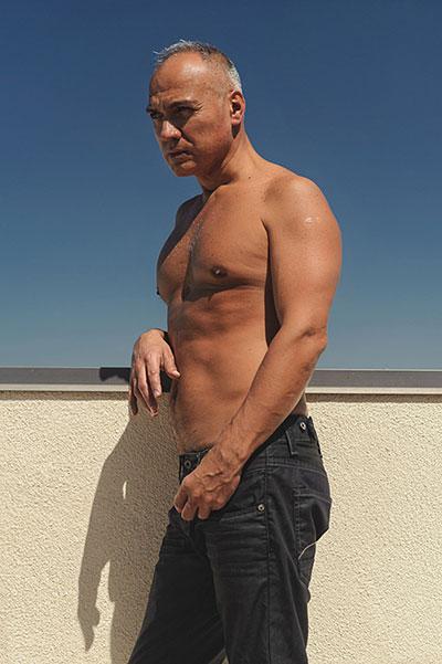 Carlos, 54 Yaşında