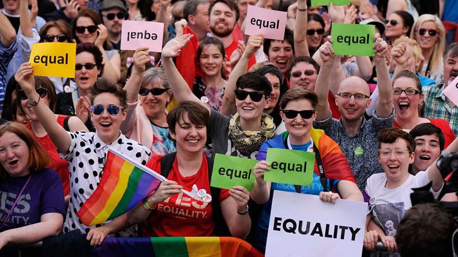 İrlanda'da Eşcinsel Evlilik Tamamen Yasal