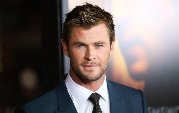 Chris Hemsworth, People's Choice Ödüllerinin En Seksi Parçasıydı