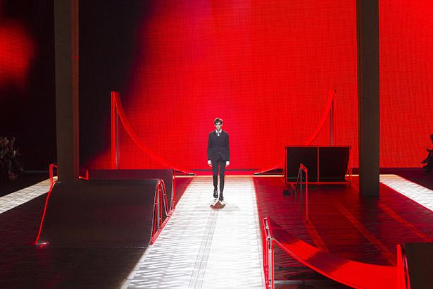 Dior Homme'un 2016 Sonbahar Erkek Giyim Koleksiyonu