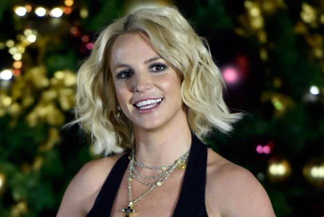 Britney LGBT Bireylerin Daha Fazla Kabullenilmesi için Çağrı Yaptı