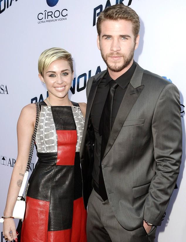 Miley Cyrus ve Liam Hemsworth Yeniden Nişanlandı!