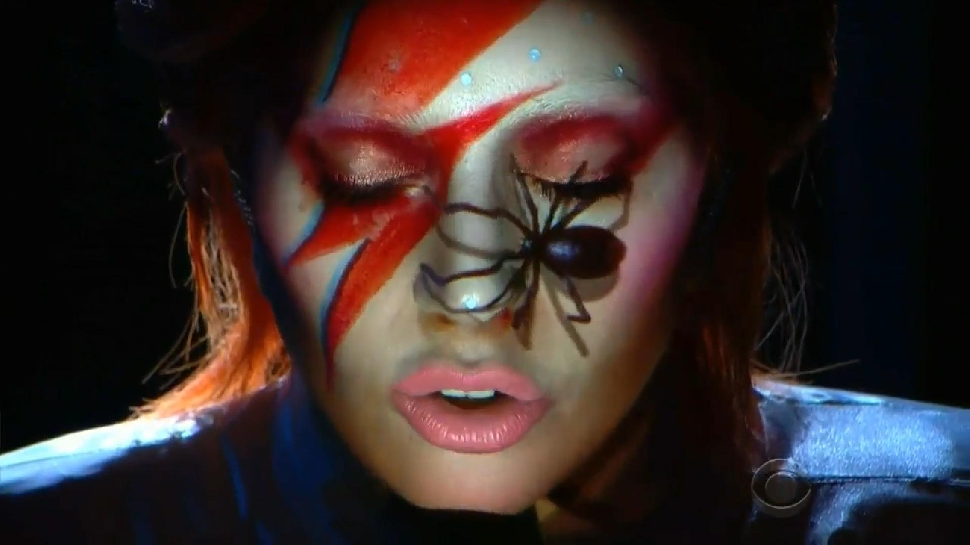 Lady Gaga Grammys 'e Damgasını Vurdu!