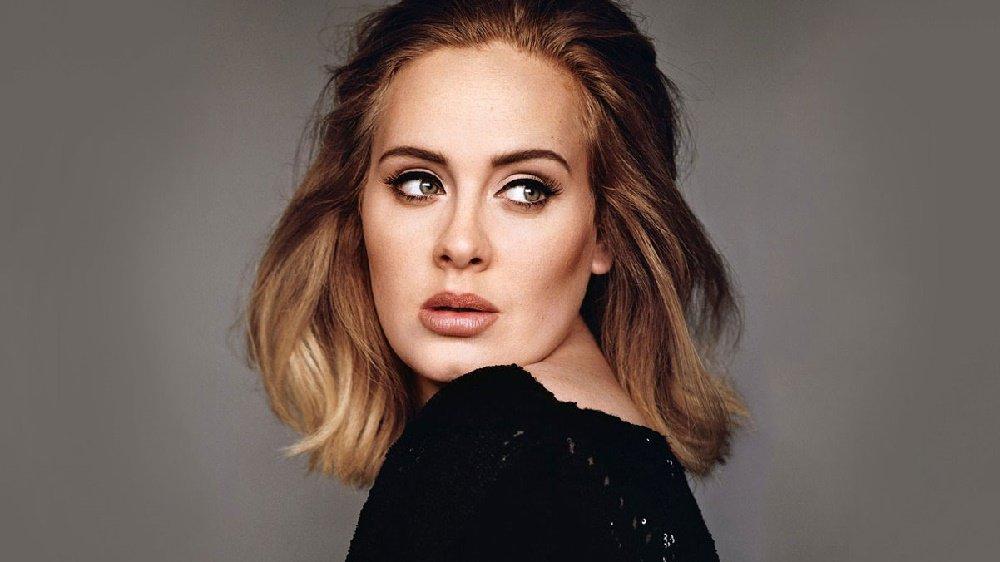 Adele'den Oğluna İzin Çıktı!