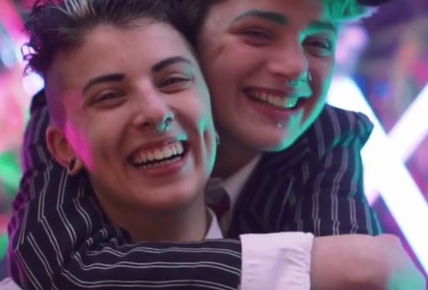 Eşcinsel Karşıtı Gruptan LGBT İçin Yardım