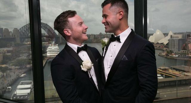 Gay Çift Yasal Boşluktan Yararlanarak Avustralya'da Evlendi