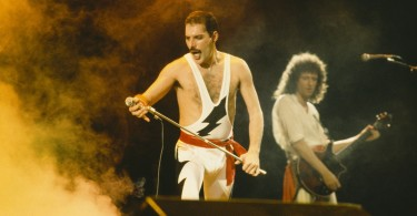 QUEEN-classic-rock-guitar-microphone-concert-guitars-concerts-fr_1920x1080