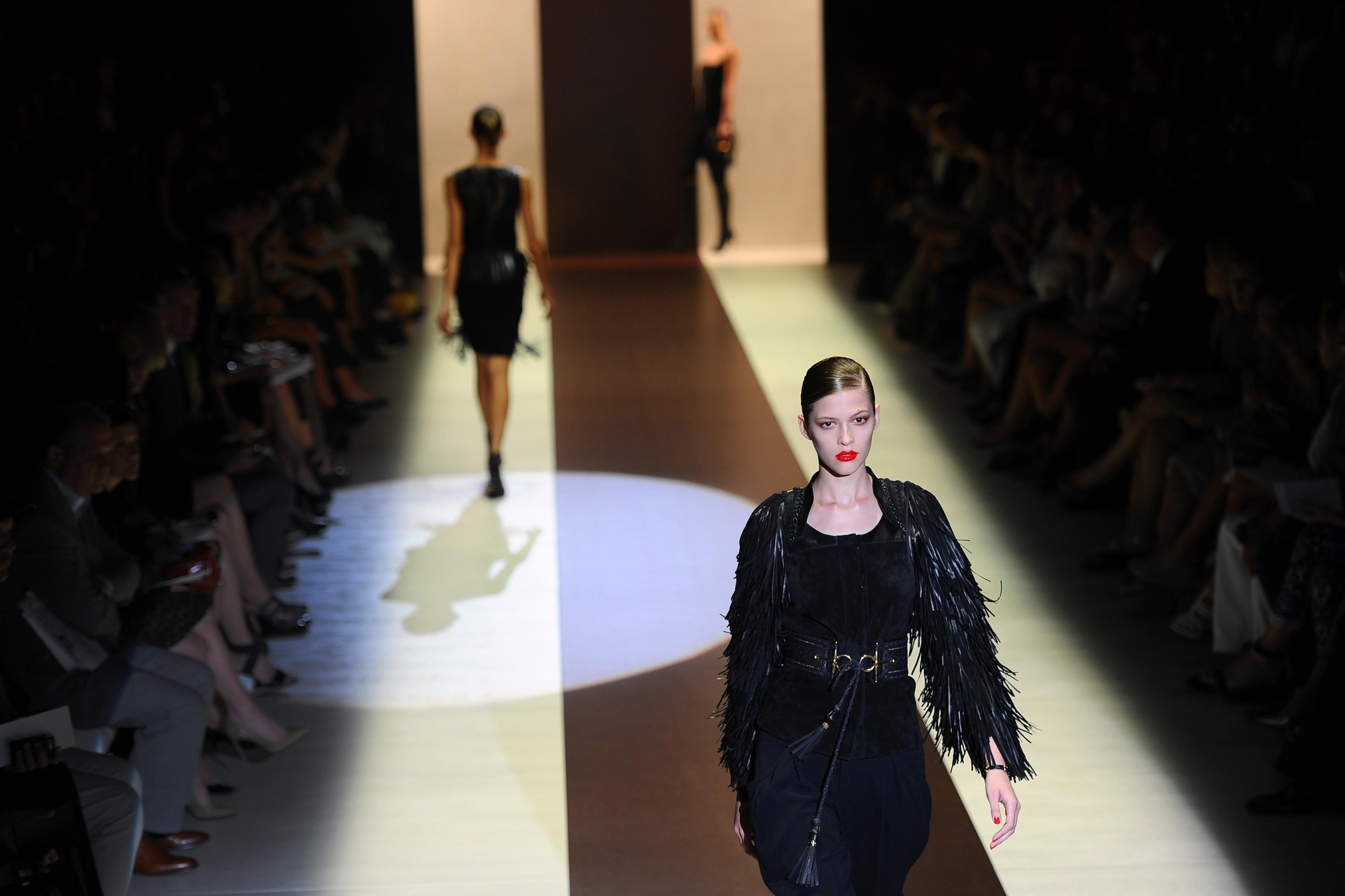İtalya'nın En Büyük Moda Tasarımcısı da Gay Çiftleri Savundu!
