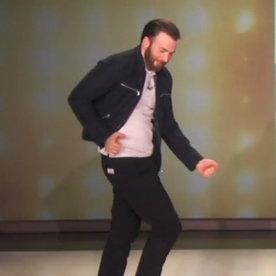 İzleyin: Chris Evans Bu Dansıyla Kalbinizi Çalacak
