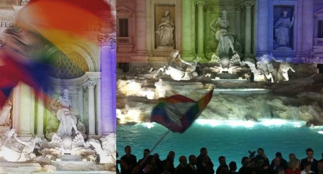 İtalya'nın Aşk Çeşmesi Gökkuşağı Renklerine Büründü