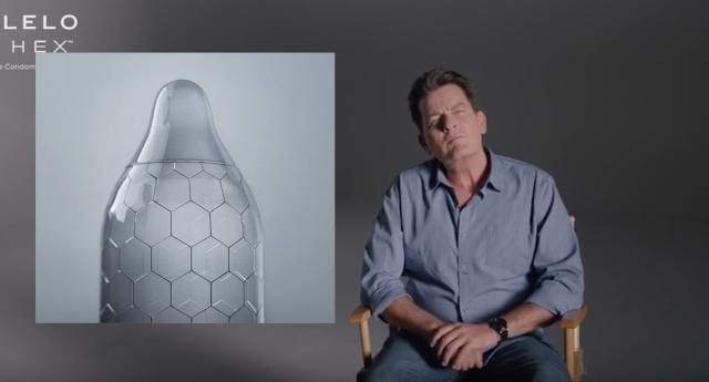 Charlie Sheen Yırtılmaya Dayanıklı Prezervatifi Tanıttı