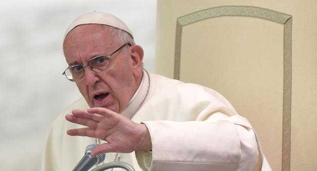 IŞİD Papa'ya Orlando Kurbanlarını Andığından Dolayı Saldırdı