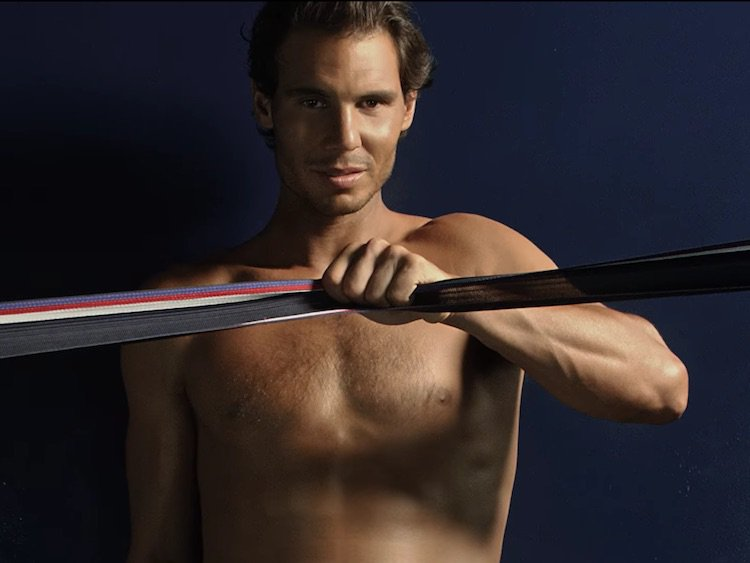 Video: Rafael Nadal Tommy Hilfiger İçin Tekrar Soyundu