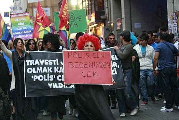 Bursa'da Trans Kadın Seks İşçisine Polis Saldırısı