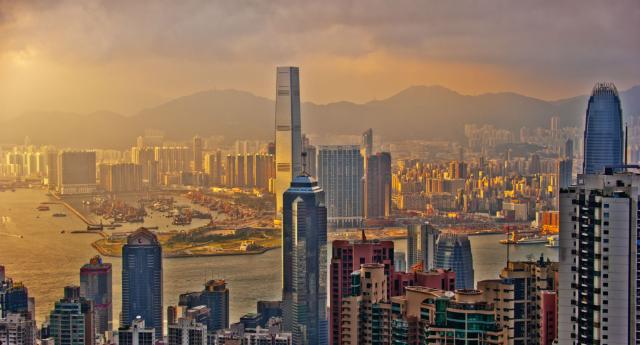 Transseksüel Kadınların Hong Kong Havaalanı'na Girişi Reddedildi
