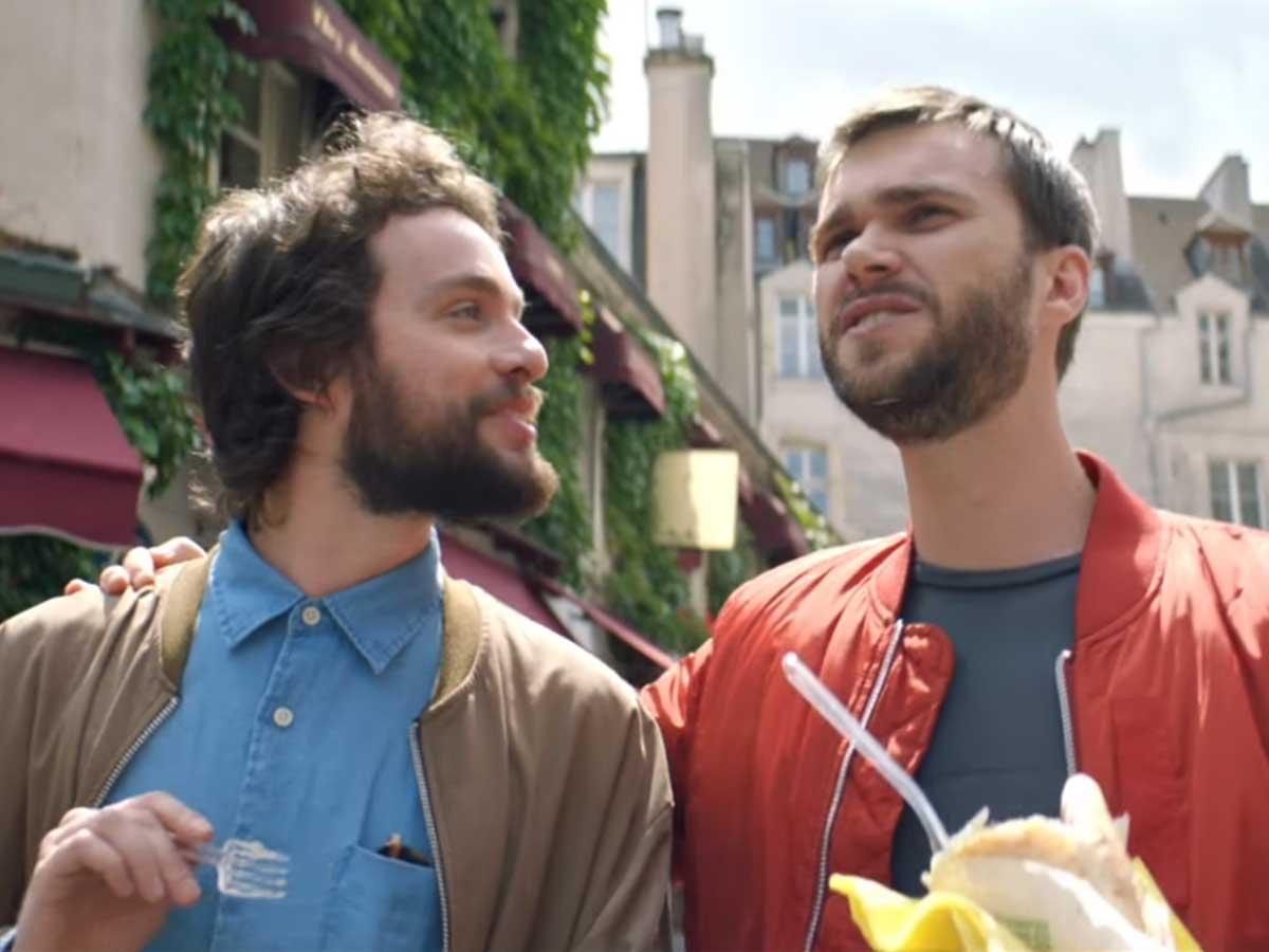 Paris'in Yeni Tanıtım Filminde 'Eşcinseller' Hariç Herkes Öpüştü!