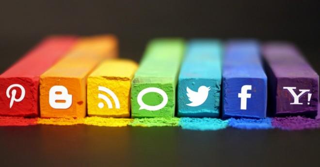 Eşcinseller Sosyal Medyayı Daha Sık Kullanıyor