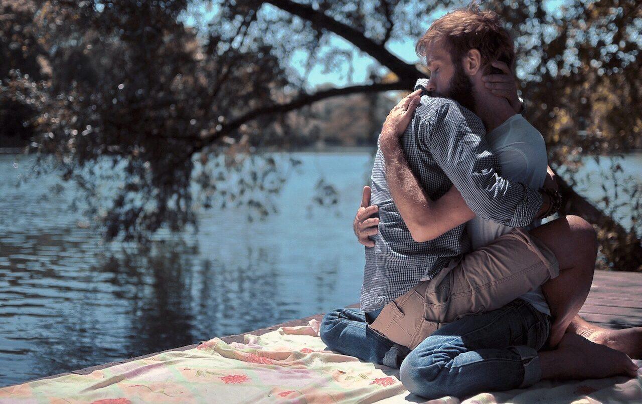 Eşcinsel Bir Erkeğin, Sağlıklı Bir İlişkide 'Asla' Yapmaması Gereken Şeyler