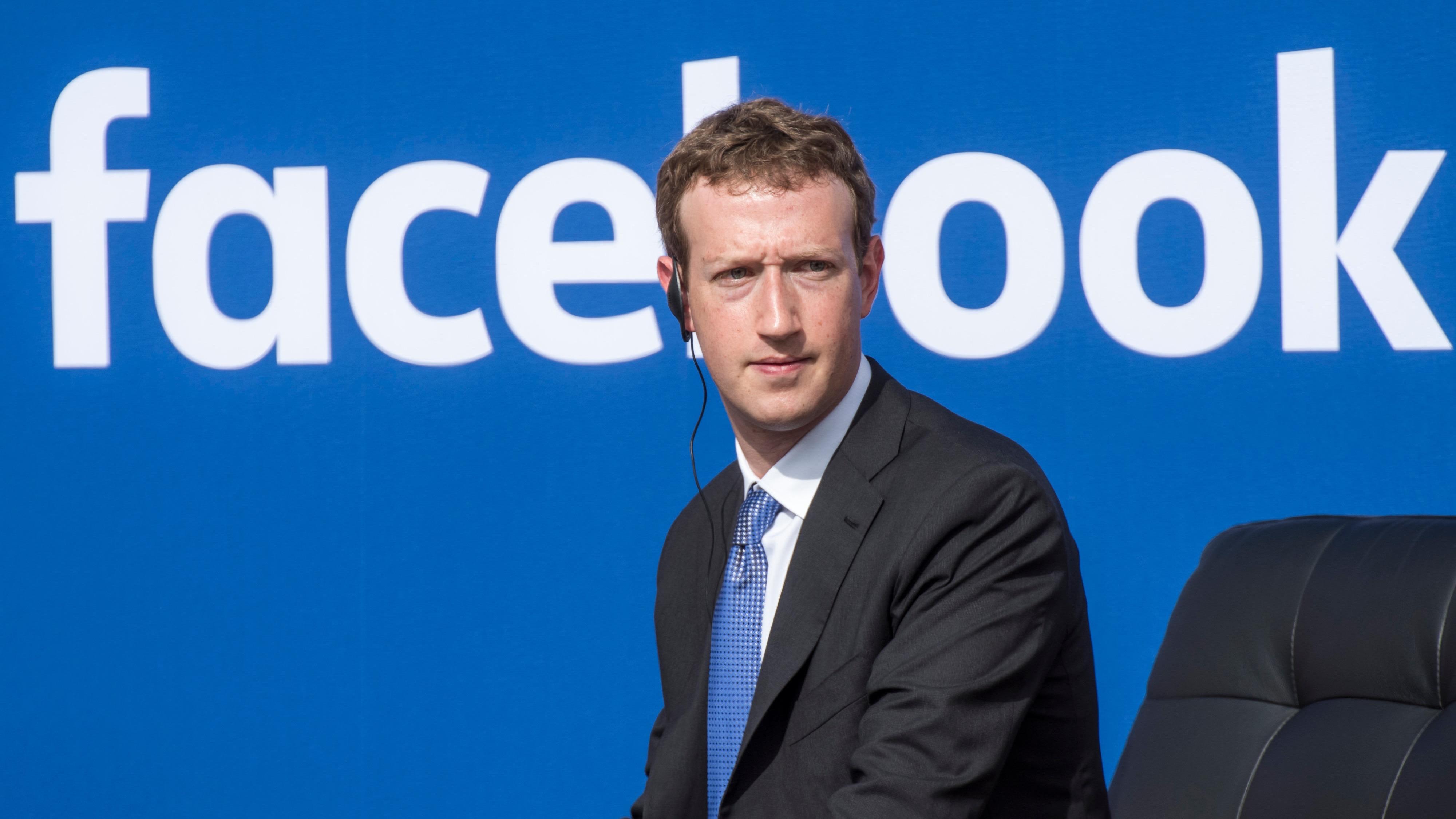 Mark Zuckerberg, Facebook'tan Önce 10'a Yakın Benzer Proje Denedi