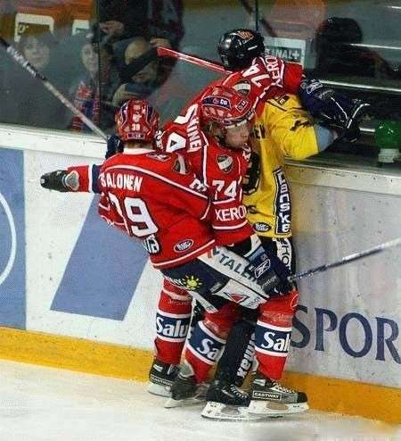 these-hockey-players-better-be-careful-where-they-put-those-sticks-photo-u1
