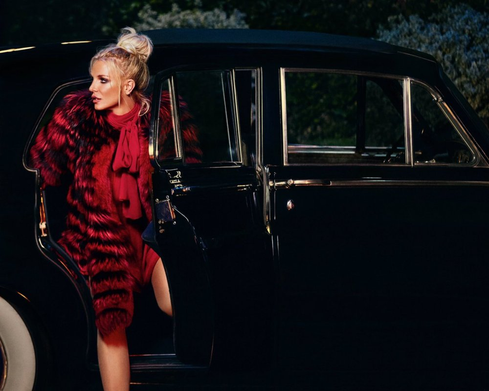 Britney Spears Tam Anlamıyla Geri Döndü!