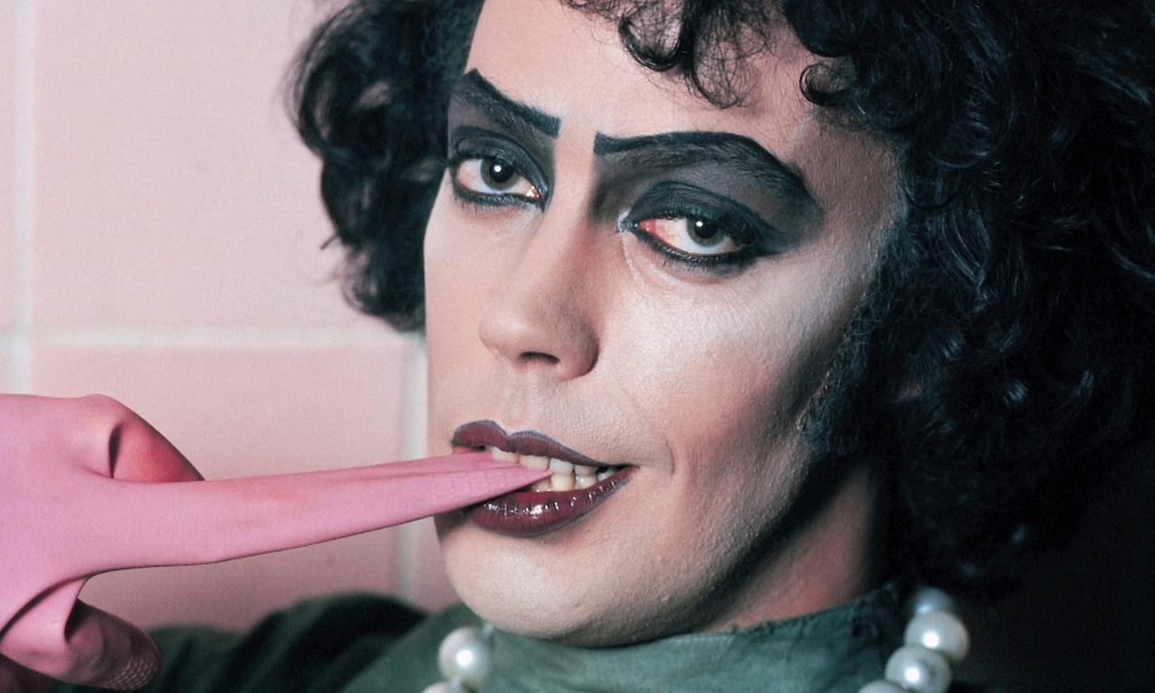Eşcinsel İzleyiciler İçin Özel Bir Cazibesi Olan '9' Erkek İkon