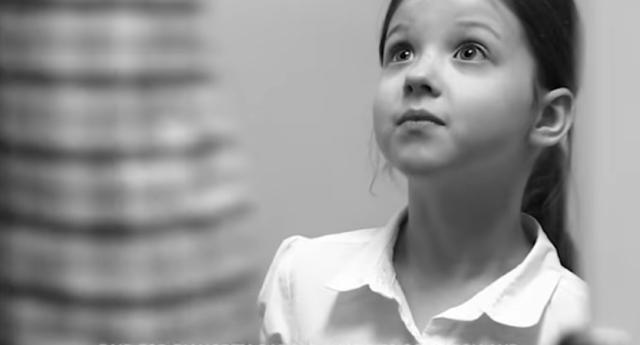 Skandal Reklam Kampanyası! Transseksüel Eşitliği Yüzünden Küçük Kızlar Tecavüze Uğrayabilir!