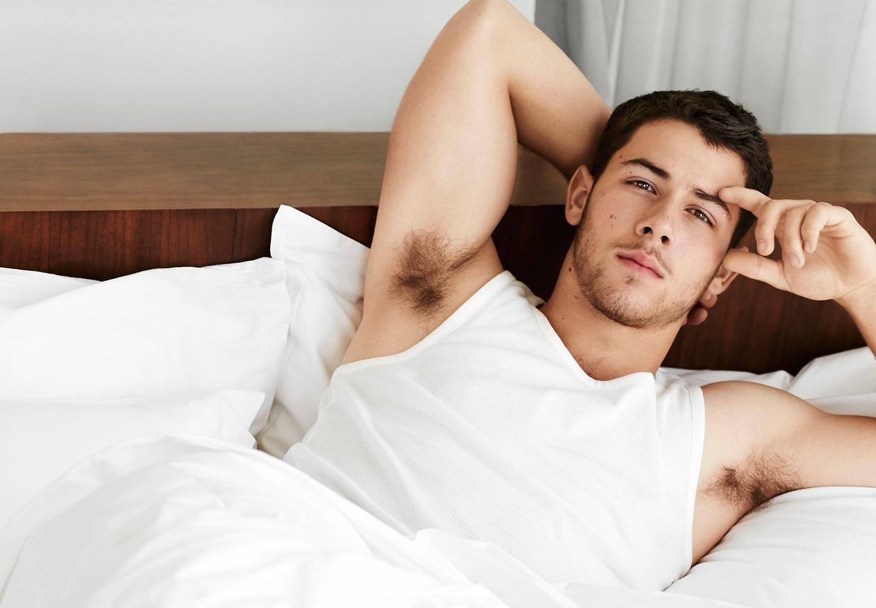 James Corden'dan, Nick Jonas'a 'Demek ki Hayaların Baya Sıcak..'