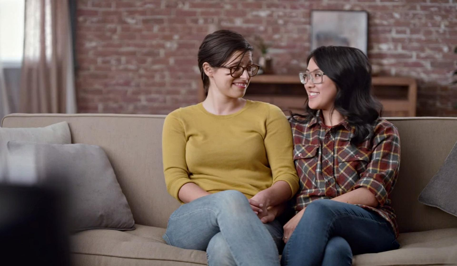 the-new-hallmark-ad-features-adorable-lesbian-couple