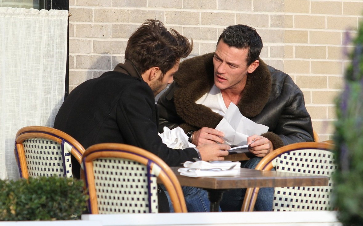 "**USA ONLY** Welsh Actor Luke Evans from ""The Hobbit"" and ""Dracula Untold"" films has lunch with his boyfriend Spanish Fashion Model Jon Kortajarena. The pair appeared to be enjoying each other's company while having a late lunch around the Meatpacking District in downtown Manhattan. AKM-GSI November 4, 2014 **USA ONLY** To License These Photos, Please Contact : Steve Ginsburg (310) 505-8447 (323) 423-9397 steve@akmgsi.com sales@akmgsi.com or Maria Buda (917) 242-1505 mbuda@akmgsi.com ginsburgspalyinc@gmail.com"