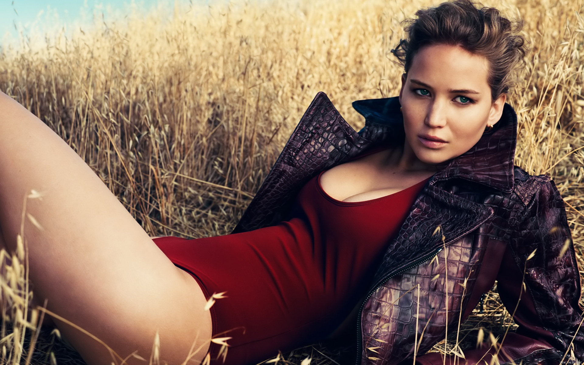 super-hot-jennifer-lawrence-widescreen-background-wallpaper-jennifer-lawrence-free-desktop-pictures-download
