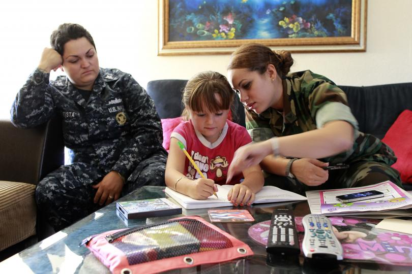 us-military-same-sex-couple-their-child