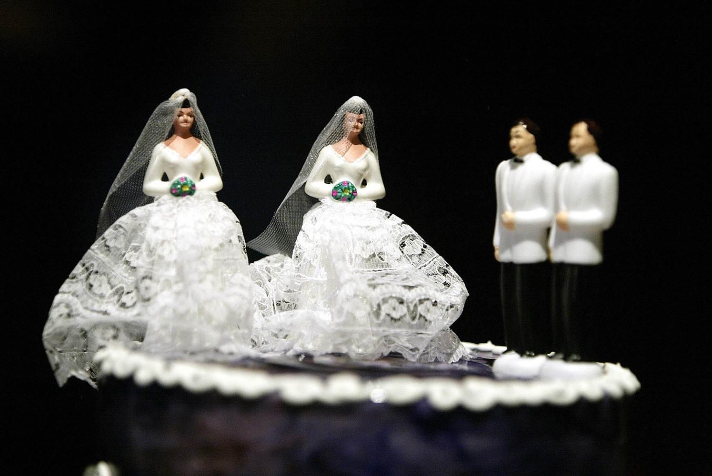 150707-gay-wedding-cake-1539_e69f79413d43082fbc17baf6695024ba.nbcnews-ux-2880-1000