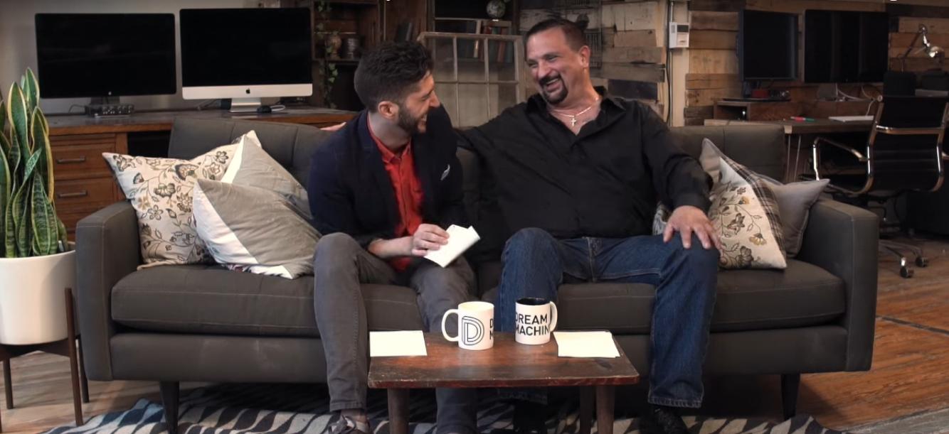 İzleyin: LGBT'ler Babalarına Sordu 'Gay Olduğumu Söylediğimde Ne Hissettin..'