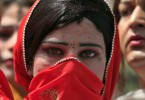 A Pakistani transvestite takes a part in a rally with others to support their arrested colleague Raani, whose real name was given as Kashif, in Peshawar June 3, 2010. Pakistani police arrested what they said last week was an entire wedding party at a ceremony between a man and a transvestite, accusing the pair of promoting homosexuality in the devoutly Muslim country. REUTERS/Fayaz Aziz   (PAKISTAN - Tags: POLITICS CIVIL UNREST SOCIETY) - RTR2EP6J